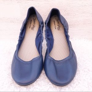 Faded glory slippers blue size 10